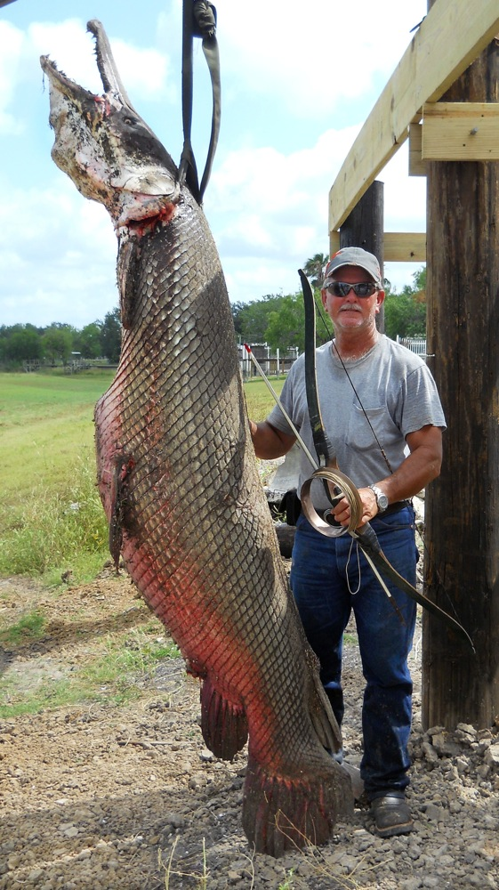 KILLED THIS THING WITH A BOW  http://www.grindtv.com/outdoor/blog/33939/texas+fisherman+prevails+in+epic+battle+with+enormous+alligator+gar/