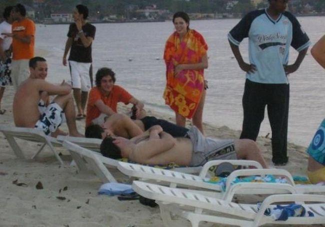 lol nude beach boner