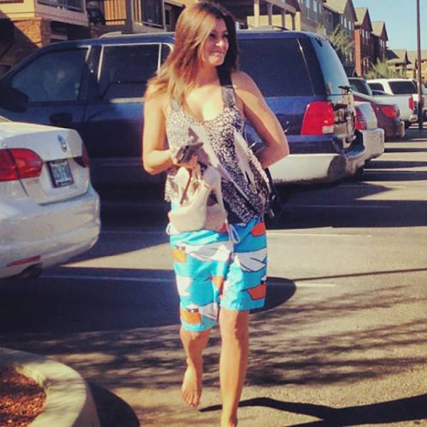 23 Times Embarrassed Girls Were Caught In The Walk Of Shame - Funny Gallery  Ebaums -2382