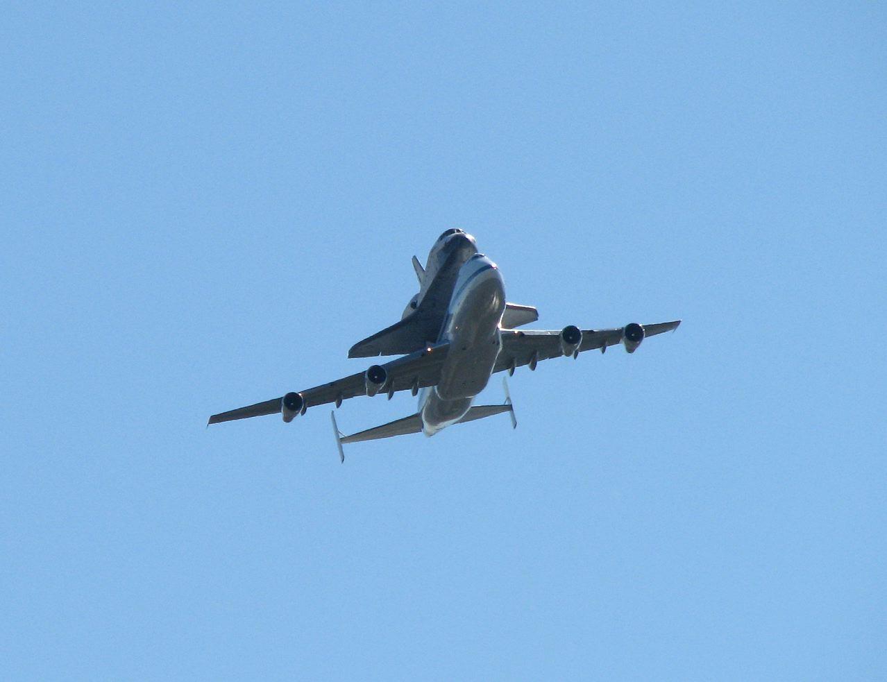 Space Shuttle Endeavour Flyover | Explore Sacramento .com |Space Shuttle Flyover