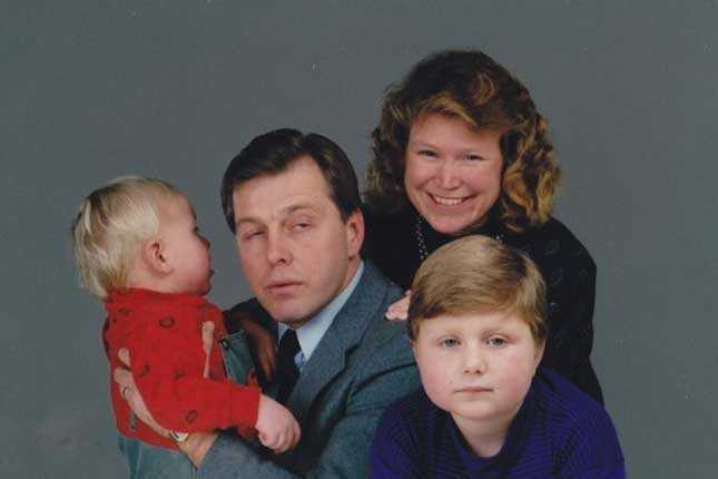 Fathers Day Song From Awkward Family Photos Is A Tribute