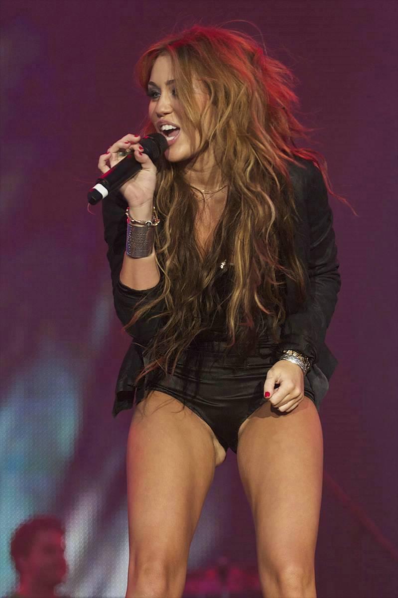 Hot Miley Cyrus nude (42 photo), Sexy, Sideboobs, Boobs, see through 2017