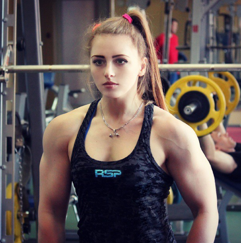 This 19-Year-Old Russian 'Muscle Barbie' Can Deadlift 400lbs