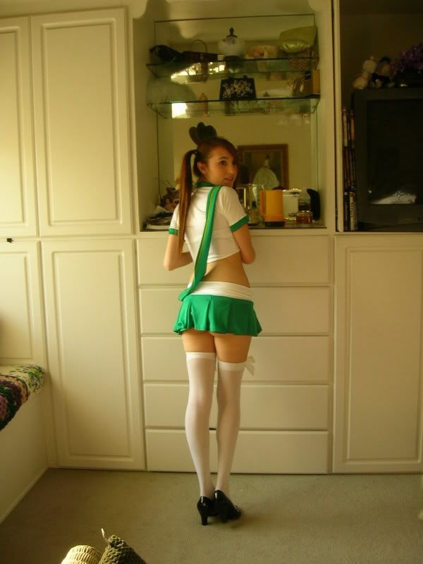 Amateur Catholic Schoolgirl Up Skirt - Picture  Ebaums World-4679