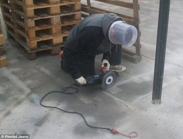 84908844 - 30+ funny unsafe construction photos
