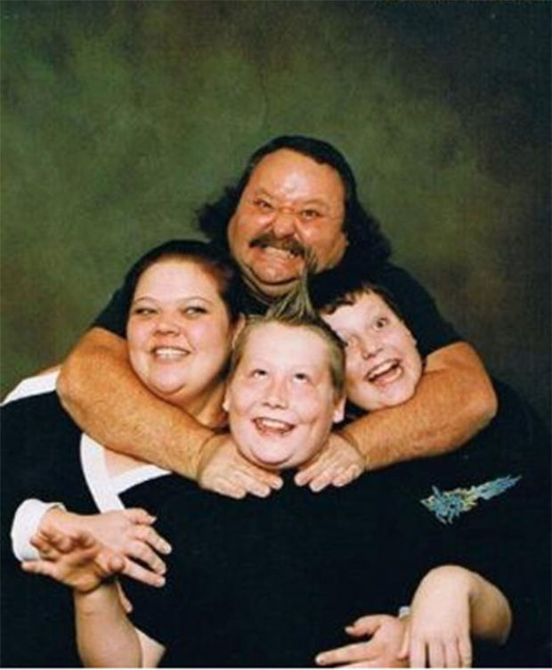 20 Family Photo Fails That Will Make You Cringe - Page 3 of 6