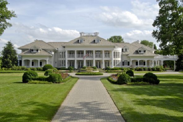 12 Singer Alan Jackson S House Can Be Found In The Suburbs Of Nashville Tennessee