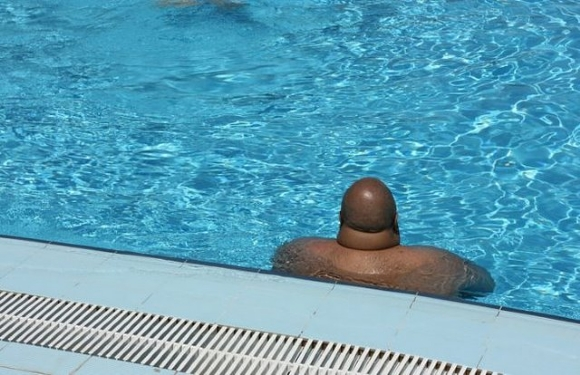 When this guy got in the pool all the chicks fled!