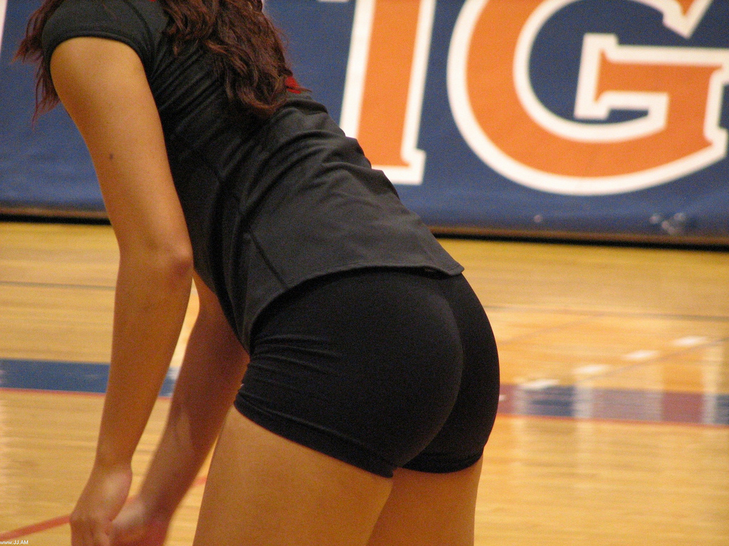 indian-volleyball-girls-thighs-photos