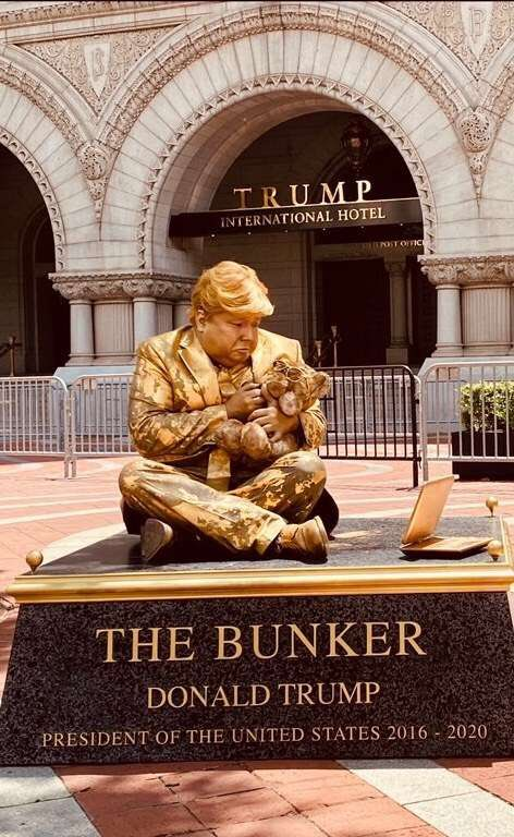 Artist depicts Trump as live statues - Wow Gallery | eBaum