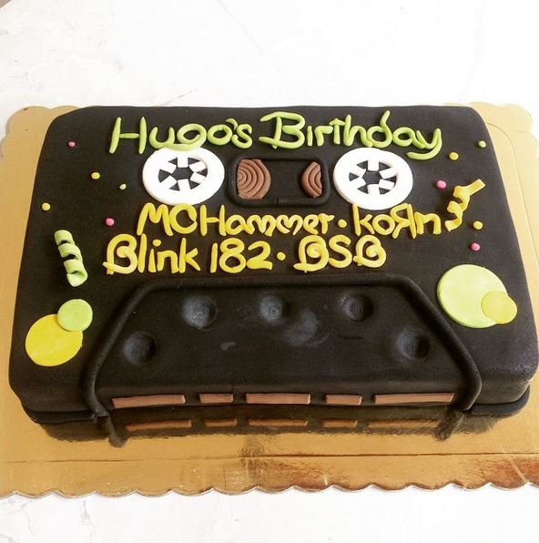 21 90s Themed Birthday Cakes That You Would Have Killed For By