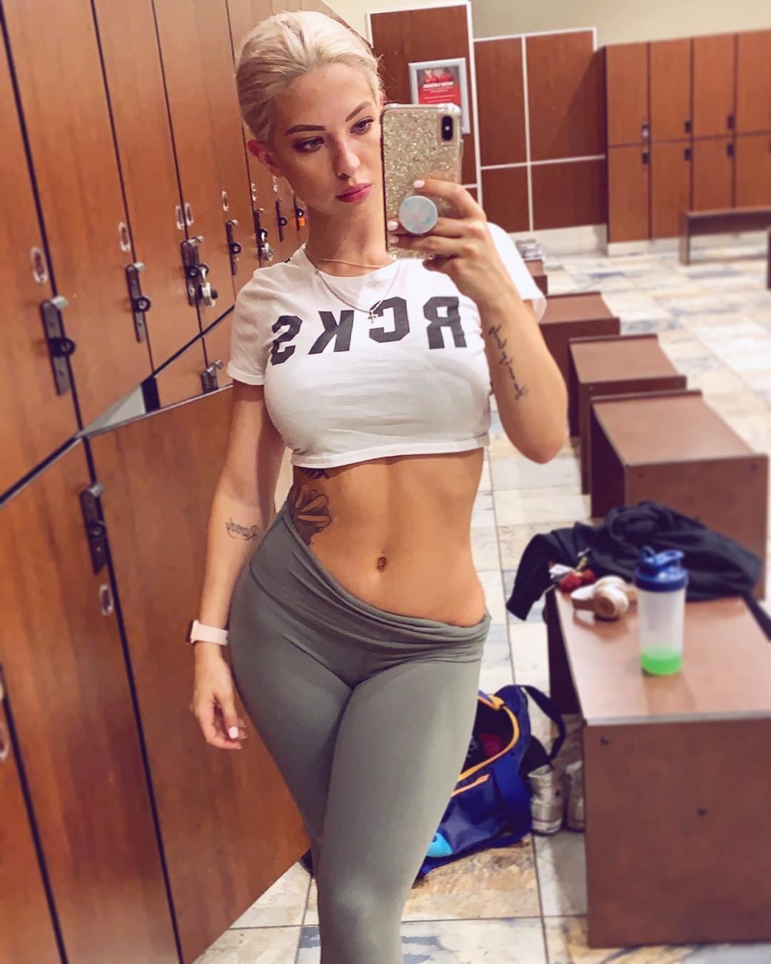 Hot Girls In Yoga Pants (36 Photos) - The Viraler