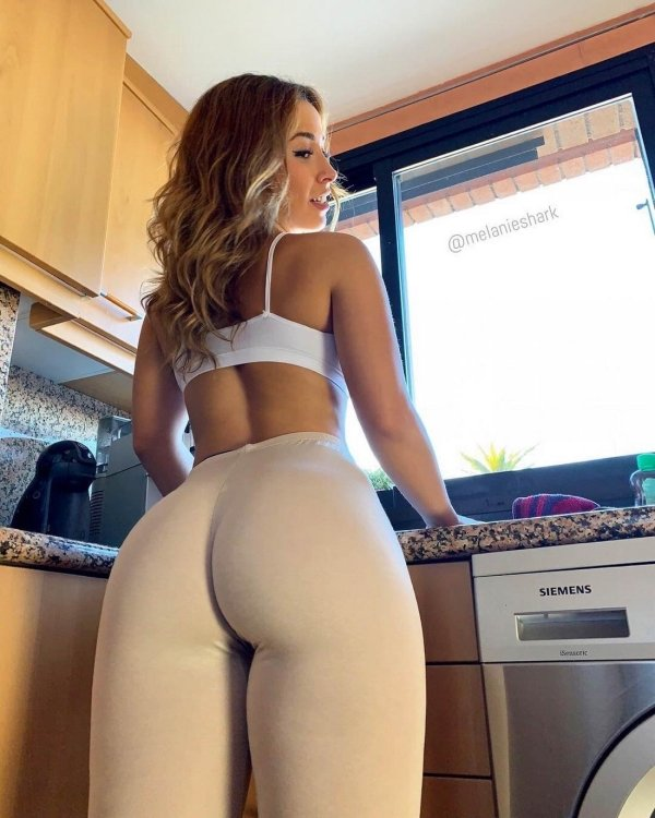 Hot Girls In Yoga Pants That Are Driving Us Wild 44 Images Wow