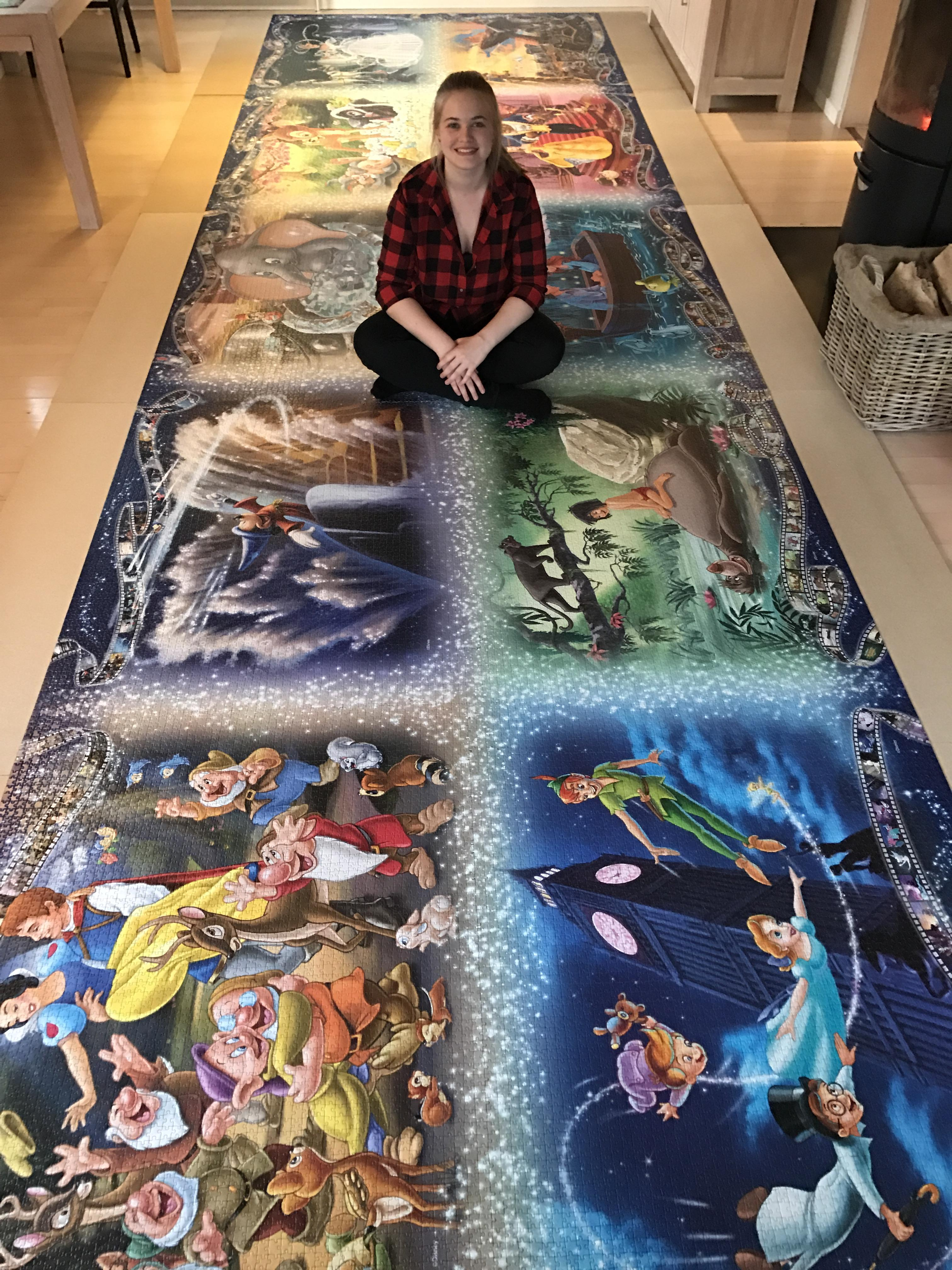 Girl Completes 40,320 Pieces Largest Jigsaw Puzzle - Wow ...