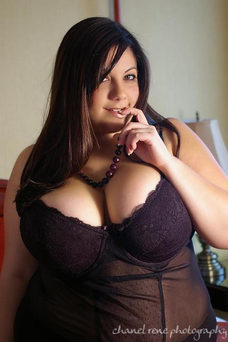Curvy girls dating site