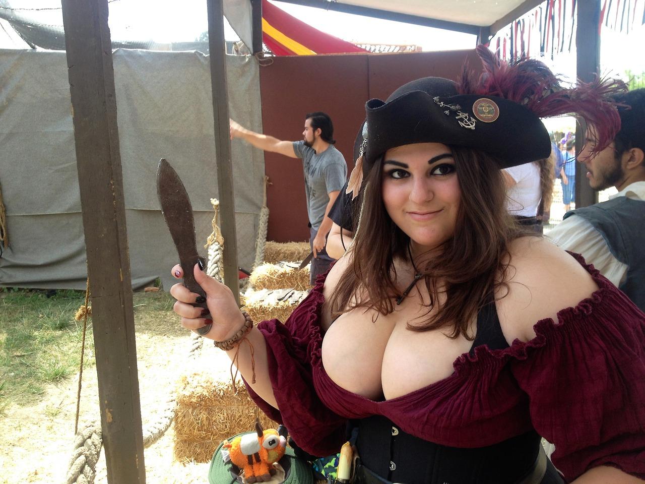 renaissance-fair-nipples