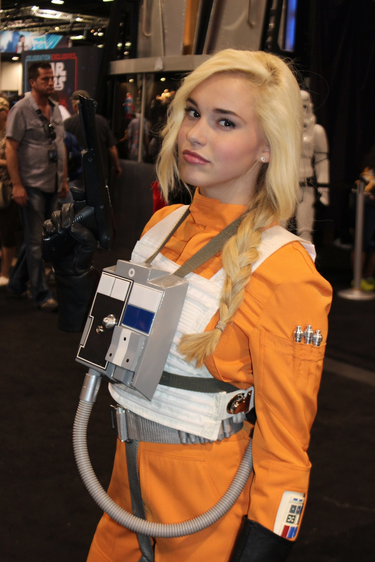 25 Of The Hottest Star Wars Cosplays To Celebrate May The 4Th - Wow Gallery  Ebaums -2279
