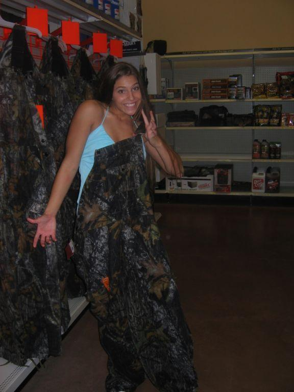 Hot Girls In Overalls - Gallery  Ebaums World