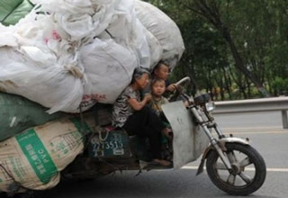 These people believe in making a single trip, no matter how much cargo!