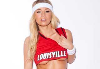 "Nikki Leigh gets us in the mood for March Madness! Check her out on <a href=""https://twitter.com/NikkiLeighxo"" target=""_blank"">Twitter</a>"