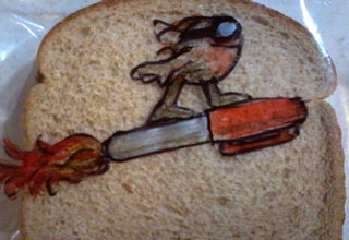 "Awesome dad, David Laferriere, keeps his son's lunches interesting. &nbsp;Since 2008 he's been drawing cool art to help lunch time from becoming a bore! &nbsp;Check out tons more of his sandwich bag art on his <a href=""http://www.flickr.com/photos/dlaferriere/sets/72157605053629580/"" target=""_blank"">Flickr</a> account."