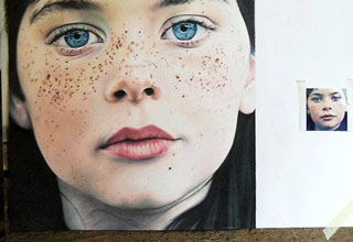 Artwork so detailed and realistic you'll think they're photographs.