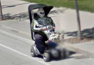 36 funny, odd, and WTF images seen on google maps' street view.