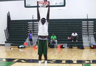 """Elhadji Tacko Fall stands 7'5"""", 4 inches tall than Shaq and he's still growing!"""