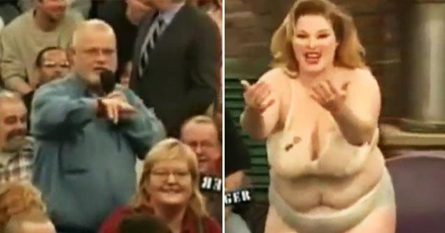 Hand inbetween boobs