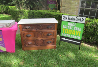 It didn't take long for Emil Knodell, of Bellville, Texas, to buy a chest for $100 that he soon discovered had a hidden drawer of treasure.