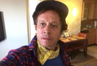 pauly shore looking like an old rag in a bum hotel