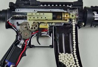 the inside of a pellet gun that looks like an m16 rifle