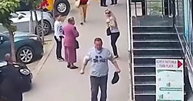 white dude flexing on the street after punching two old women