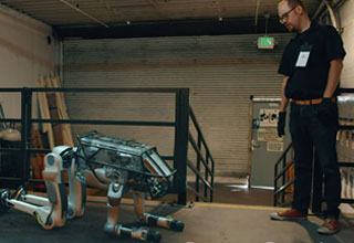 Boston Dynamics Robots Using Teamwork Is Slightly Unsettling
