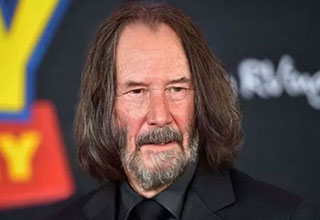 Keanu reeves looking old with the Faceapp