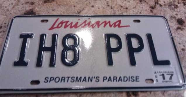 a  louisiana license plate that says i hate people spelled IH8PPL