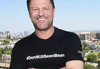 actor sean bean wearing a dont kill sean bean twitter hashtag t shirt