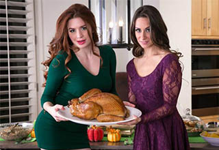 "Enjoy your Thanksgiving with this compilation of traditional holiday food porn and well... a <a href=""https://www.ebaumsworld.com/pictures/30-top-hottest-most-trending-porn-stars-of-2019/85850406/"">slightly different kind</a> as well."