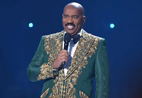Steve Harvey messes up the miss Universe again