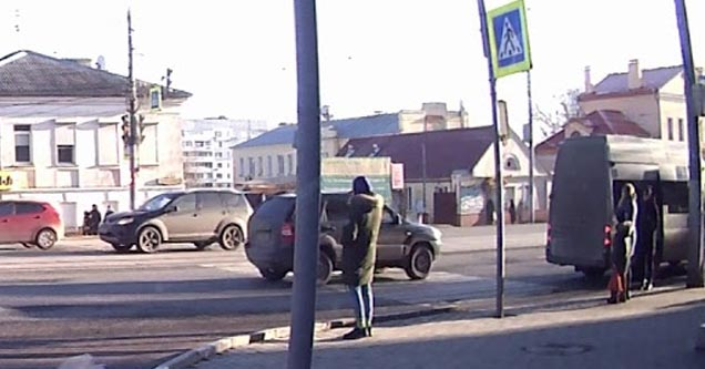 crazy car crash in russia  | Pedestrians standing waiting to cross the street in russia a woman has fast reflexes and misses andf gets saved from the crash and a street sign gets knocked out