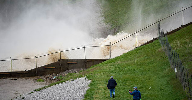 photos showing the dam breaks in Michigan | dam break pic in michigan