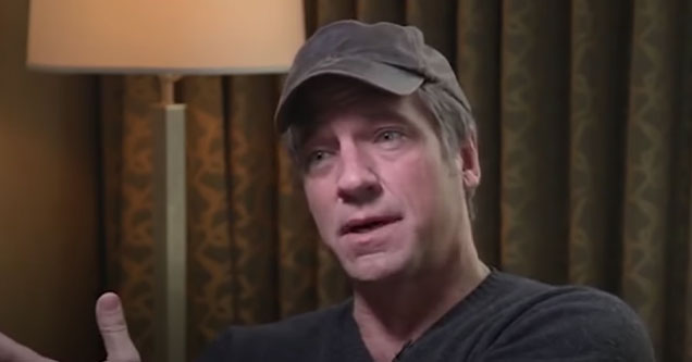 Mike Rowe of Dirty Jobs is a con man who doesn't care about working people