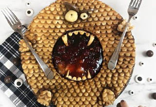"""Baker and pie artist Jessica Leigh Clark-Bojin is a true master of showstopping pies. She's done all kinds of artistic pies that are almost too pretty to eat (though I still would, because I'm a pie kinda guy) that you can see on <strong><a href=""""https://www.instagram.com/thepieous/"""" target=""""_blank"""">her Instagram</a></strong> or <strong><a href=""""https://www.piesareawesome.com/"""" target=""""_blank"""">her website</a></strong>. <br></br>What with it being Halloween season and all, here's a showcase of some of her most spook-tacular creations."""