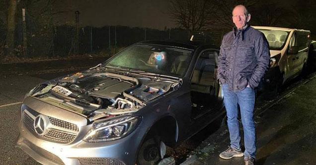 Автомобильные угонщики разбирают Mercedes посреди ночи