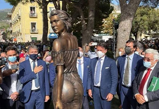 """At an event in Italy's southern province of Salerno, a <a href=""""https://www.ebaumsworld.com/articles/nicki-minajs-wax-figure-looks-interesting/86168081/""""><strong>statue</strong></a> was erected, among other things. <br><br> Usually when <a href=""""https://www.ebaumsworld.com/articles/disney-completely-messed-up-trumps-animatronic-statue-in-their-hall-of-presidents/85537823/""""><strong>statues</strong></a> go viral it's because of how awful they are, but this time around it's because the statue is too damn sexy! <br><br> I mean, look at that thing, a true work of art."""