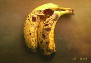 This guy does some pretty awesome banana art!!!!