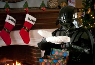 "32 Awesome ""Christmassy"" Star Wars pictures!"