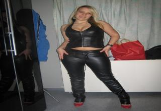 sexy babes in leather again