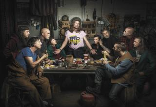 hilarious photo project by Freddy Fabris who had always wanted to pay homage to the Renaissance masters with his photos in some way, but he wasn't sure how until he stumbled upon an auto-mechanic shop in the Midwest.