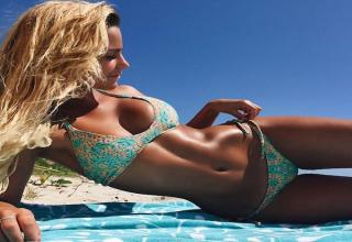Bikini Fridays (PG13 HOTNESS)